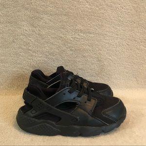 Nike Kids Black Huarache Shoes, Size 10C